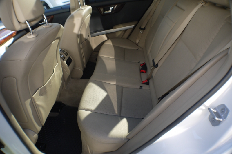 2010-Mercedes-Benz-GLK350 4MATIC