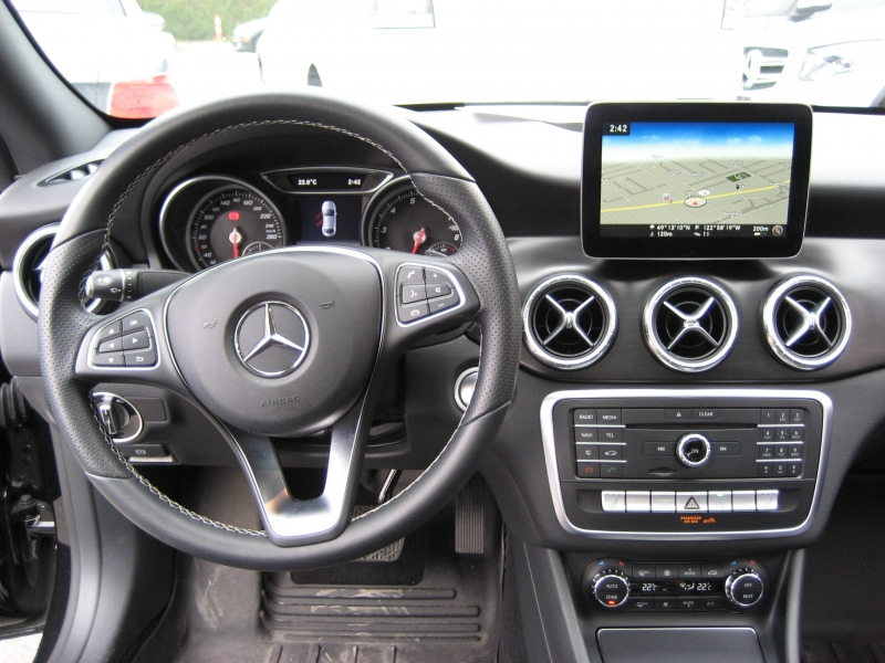 2017-Mercedes-Benz-CLA250