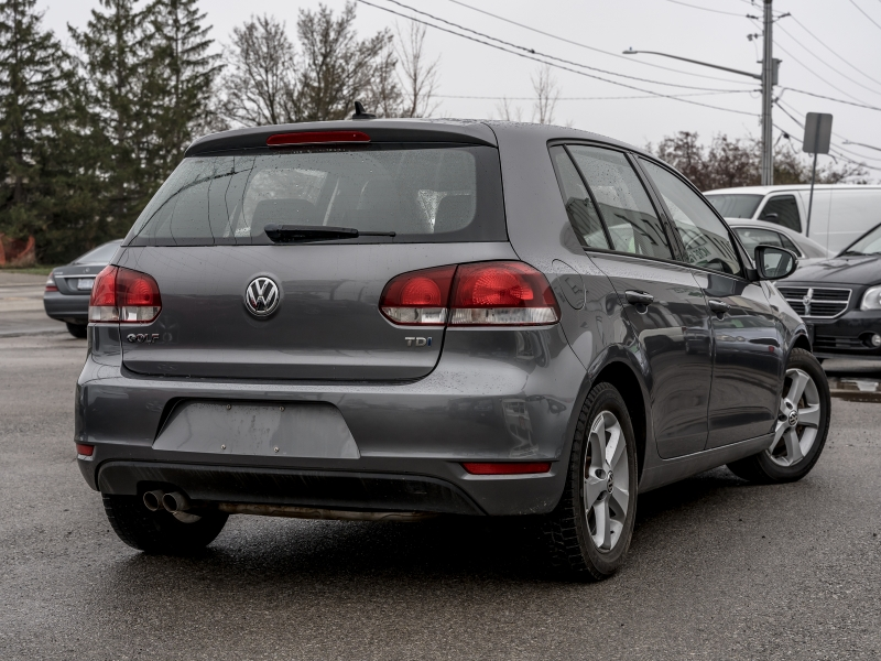 2011-Volkswagen-Golf