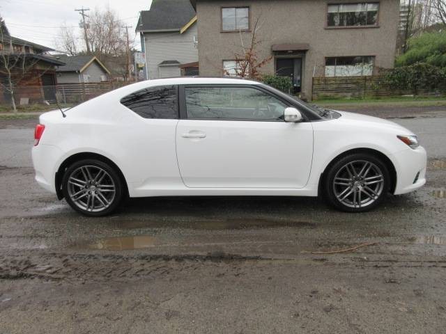 2013-Scion-tC