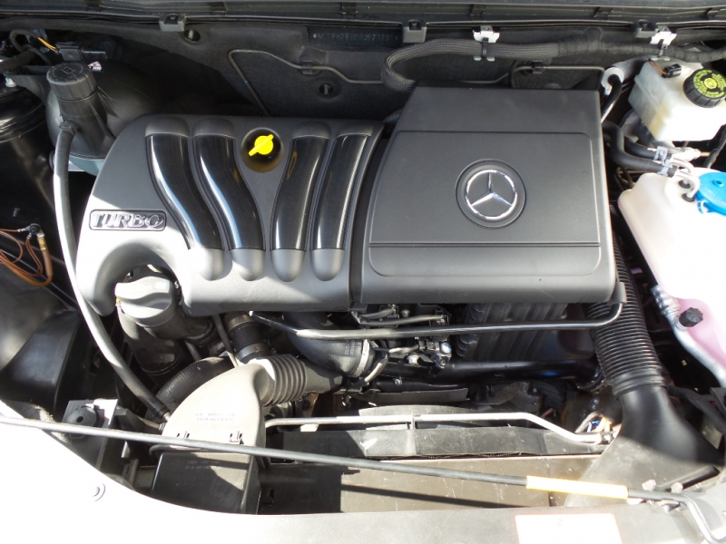 2011-Mercedes-Benz-B200 Turbo